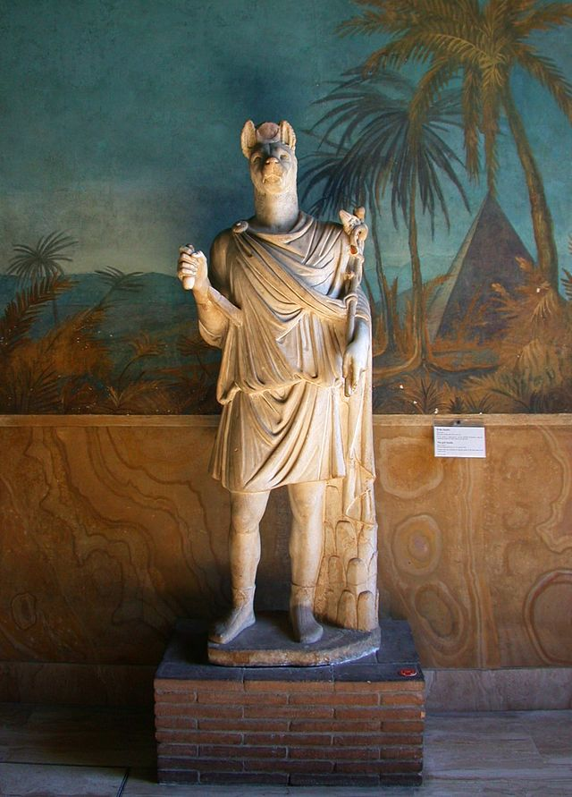 640px-VaticanMuseums_Egyptian_God_Statue.jpg