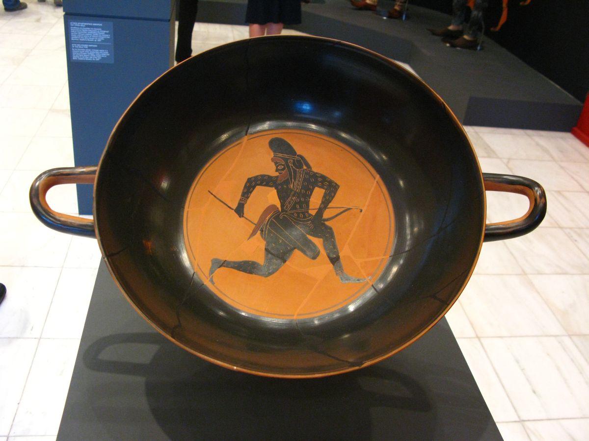 6Skythian_archer_-_Attic_Black-figured_Kylix_(530-520_BC).jpg