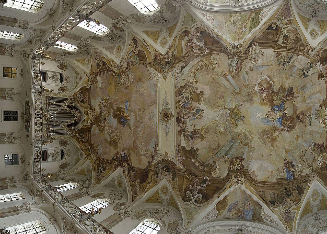 7-Wallfahrtskirche_Birnau_-_Innenraum_-_Blick_zur_Orgel_mit_Deckenfresken_des_Langhauses.jpg