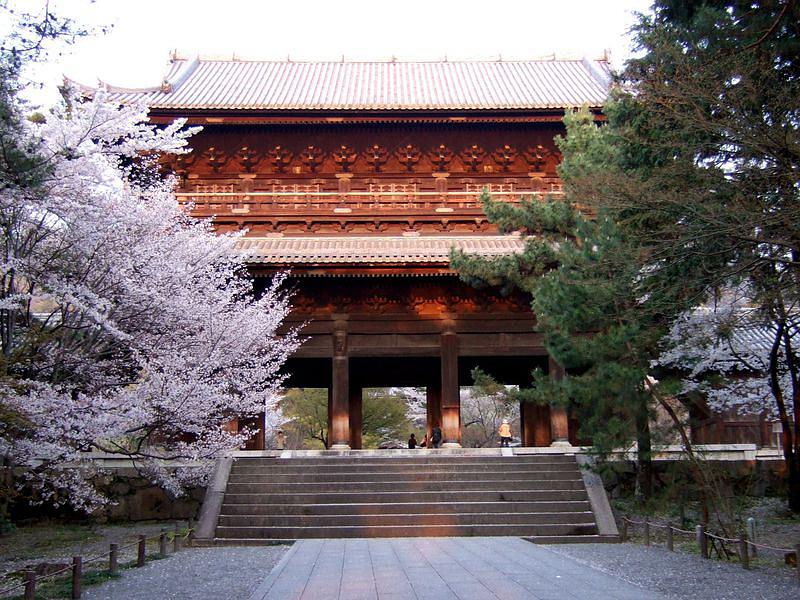 71.Нандзэн-дзи. Ворота саммон.jpg