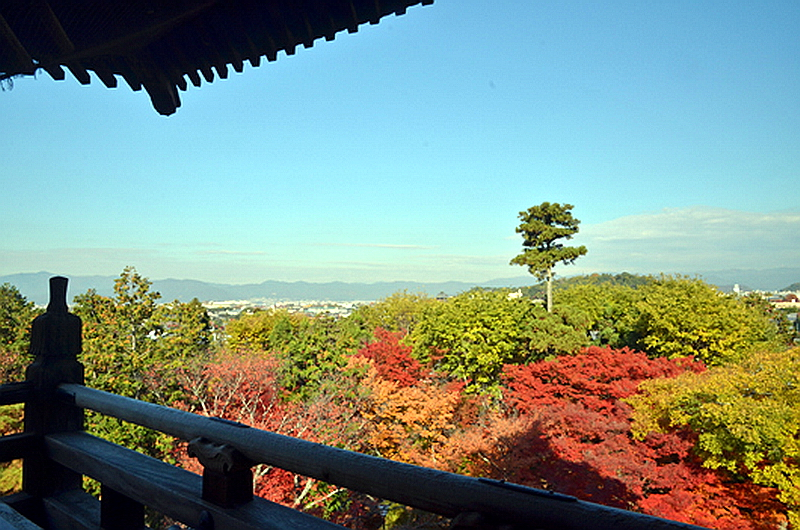 72.Нандзэн-дзи.  Вид с галереи ворот саммон.jpg