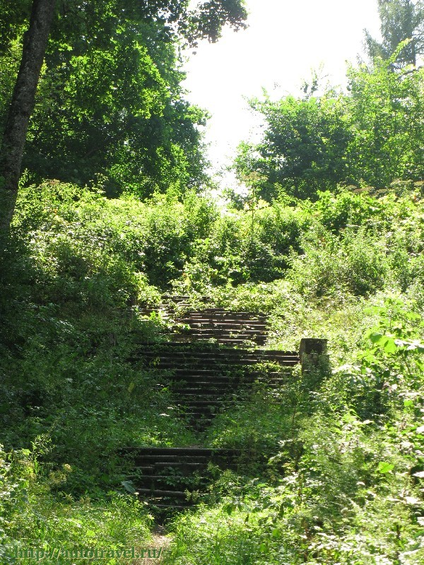 72.Хотылёво.Лестница бывшего особняка (Фото ELITE).jpg