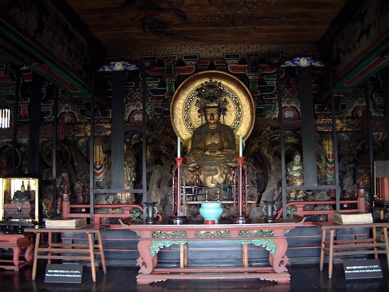 73.Нандзэн-дзи. Ворота саммон, Будда Нёрай.jpg