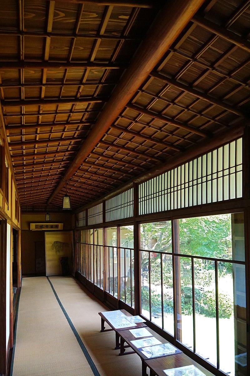 800px-150521_Rokasensuisou_Otsu_Shiga_pref_Japan06n.jpg