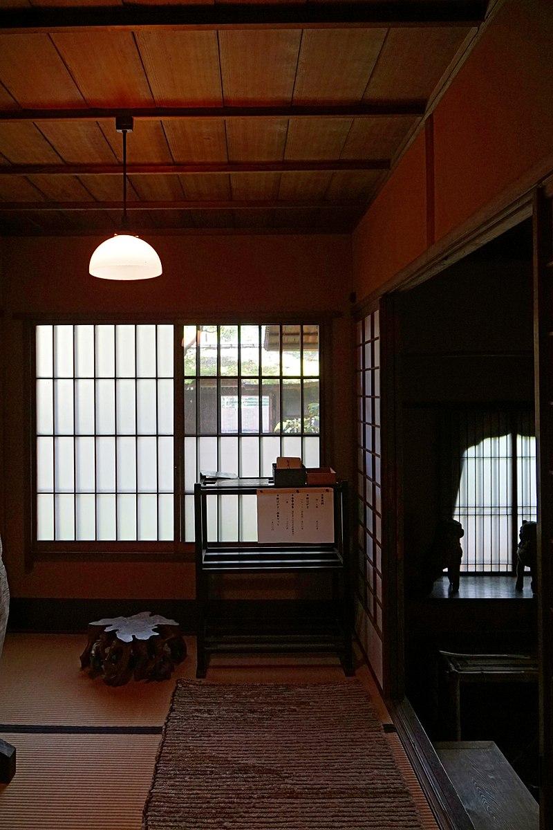 800px-150521_Rokasensuisou_Otsu_Shiga_pref_Japan16n.jpg
