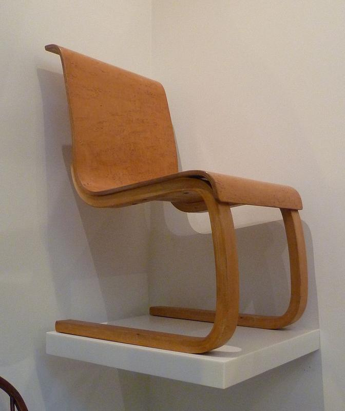 800px-Alvar_Aalto_chair_1932-33.JPG