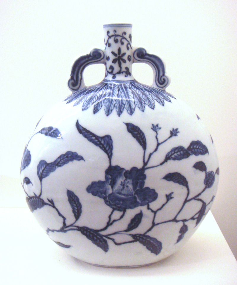 800px-Blue_and_white_jar_Jingdezhen_Ming_Yongle_1403_1424.jpg