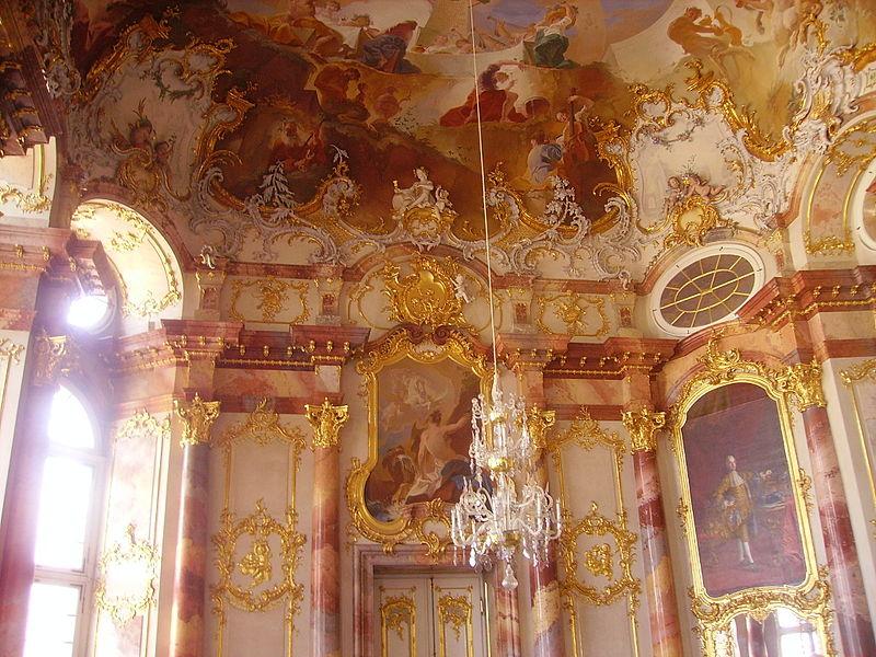800px-Bruchsal_Schloss_Bruchsal_Innen_Marmorsaal_1.jpg