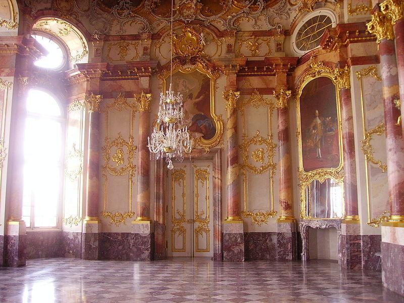 800px-Bruchsal_Schloss_Bruchsal_Innen_Marmorsaal_7.jpg