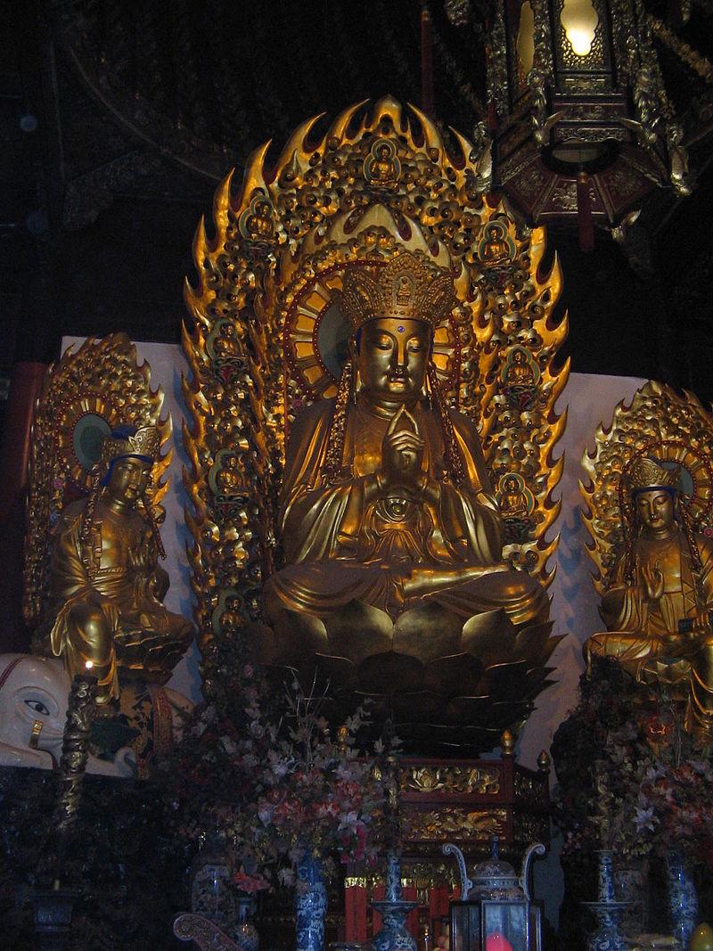 800px-Buddha_statue_in_Jade_Buddha_Temple.jpg