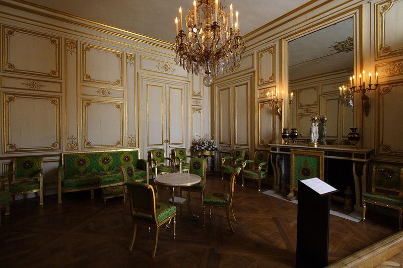 800px-Chateau_de_Fontainebleau_FRA_026.JPG