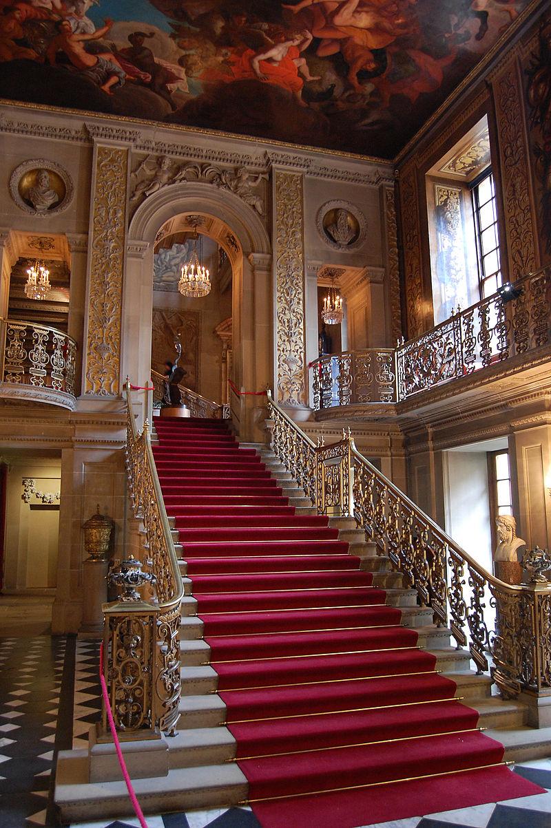 800px-Chatsworth_main_hallway.jpg