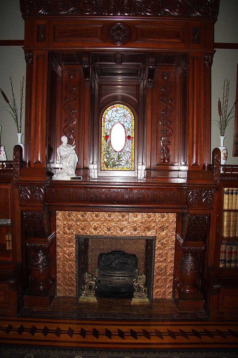 800px-Craigdarroch_Castle_interior,_IMG_004.jpg