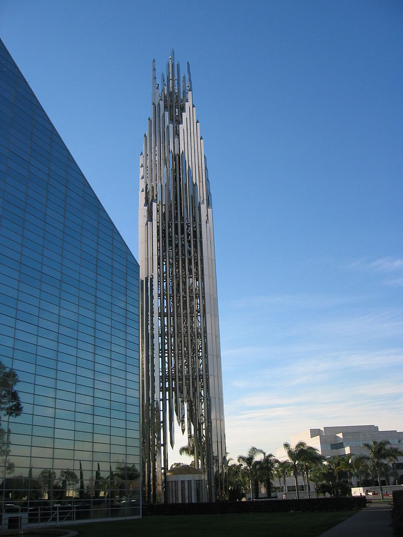 800px-Crystal_Cathedral_-_panoramio.jpg