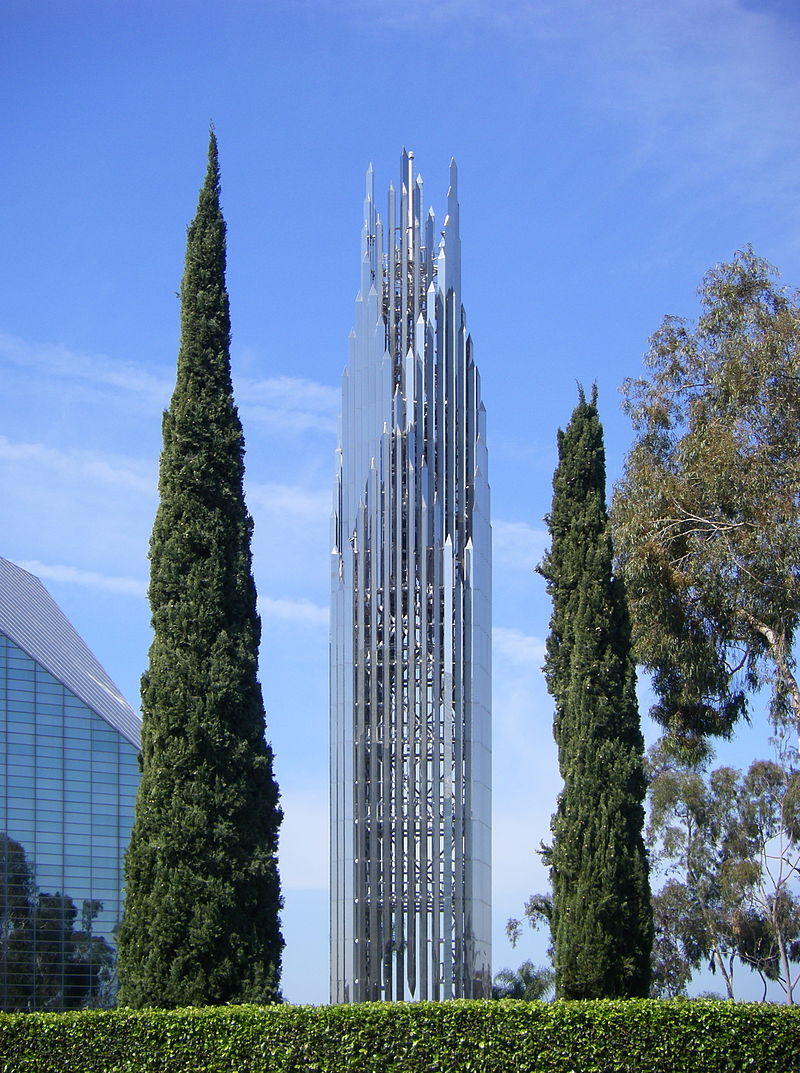 800px-Crystal_Cathedral_Spire.jpg