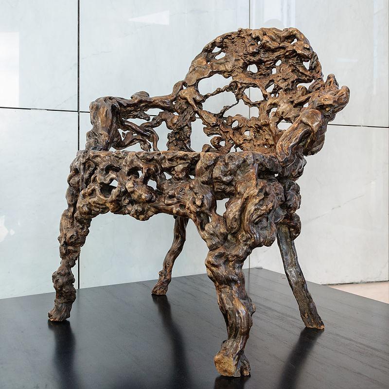 800px-Fauteuil_racine_Chine_Quianlong_musee_arts_asiatiques_Nice.jpg