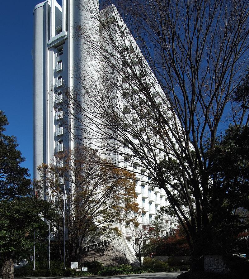 800px-Grand_Prince_Hotel_New_Takanaya 1982.jpg