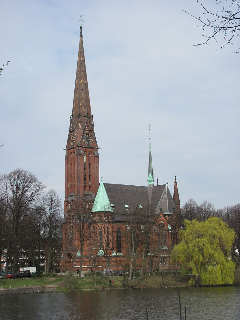800px-St._Gertrud_Hamburg-Uhlenhorst 1885.jpg