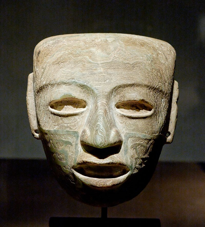 800px-Teotihuacan_mask_Louvre_MH_78-1-187.jpg