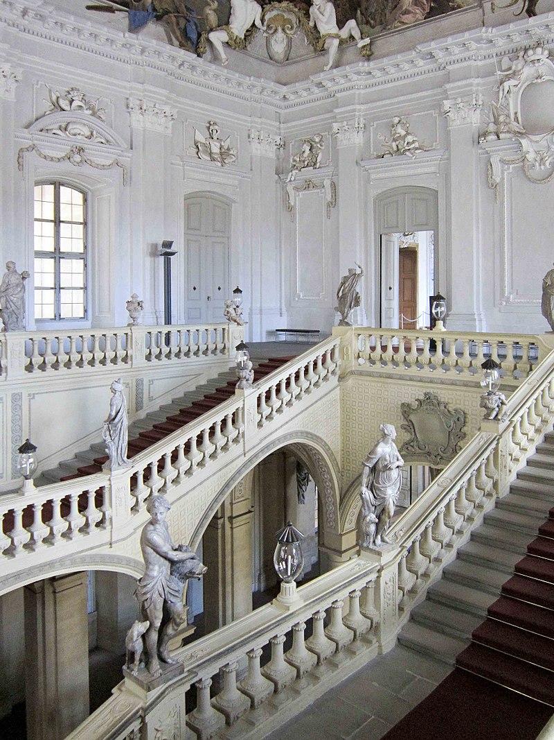 800px-Würzburg_Residenz_6_Treppenhaus_(6066491839).jpg