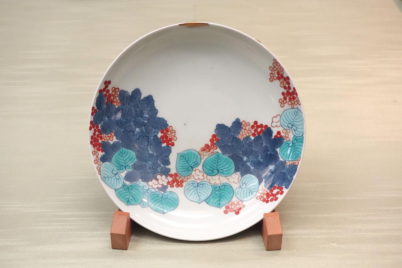 _Nabeshima_ware,_Edo_period,_18th_century,DSC06022.JPG