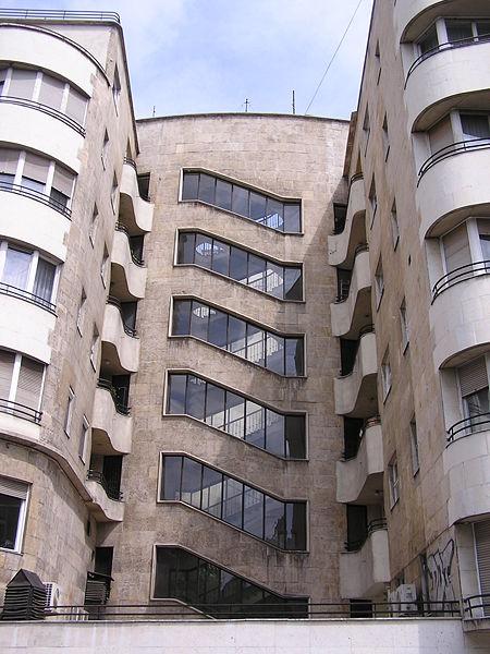 A_bérház_lépcsőháza.JPG