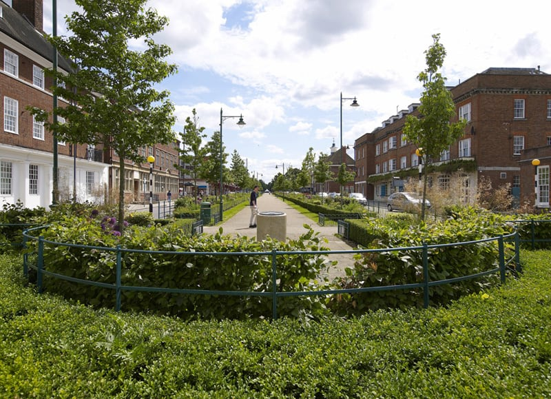 a_view_along_broadway_letchworth_garden_city.jpg