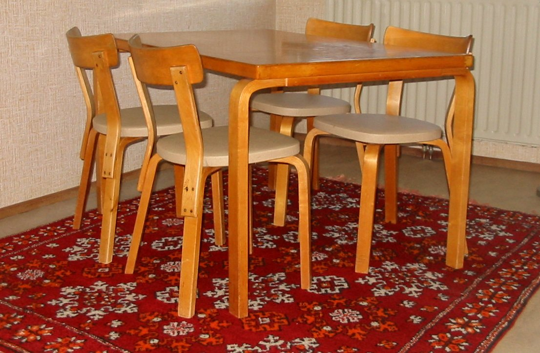Aalto_table_and_chairs2.JPG