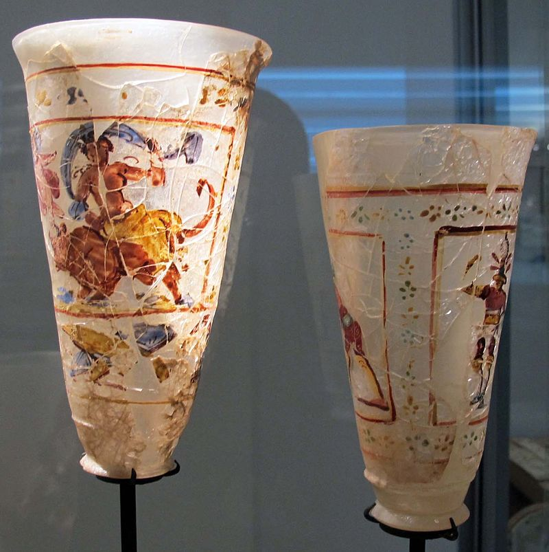 Afghanistan,_bicchiere_con_decoro_dipinto_(ganimede),_dal_tesoro_di_begram,_vetro,_I_sec,_01.JPG