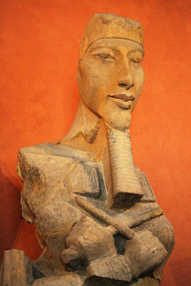 Akhenaton_E27112_mp3h8765.jpg
