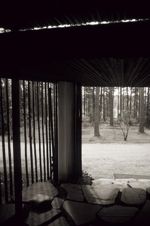 Alvar_Aalto,_Villa_Mairea_02.jpg