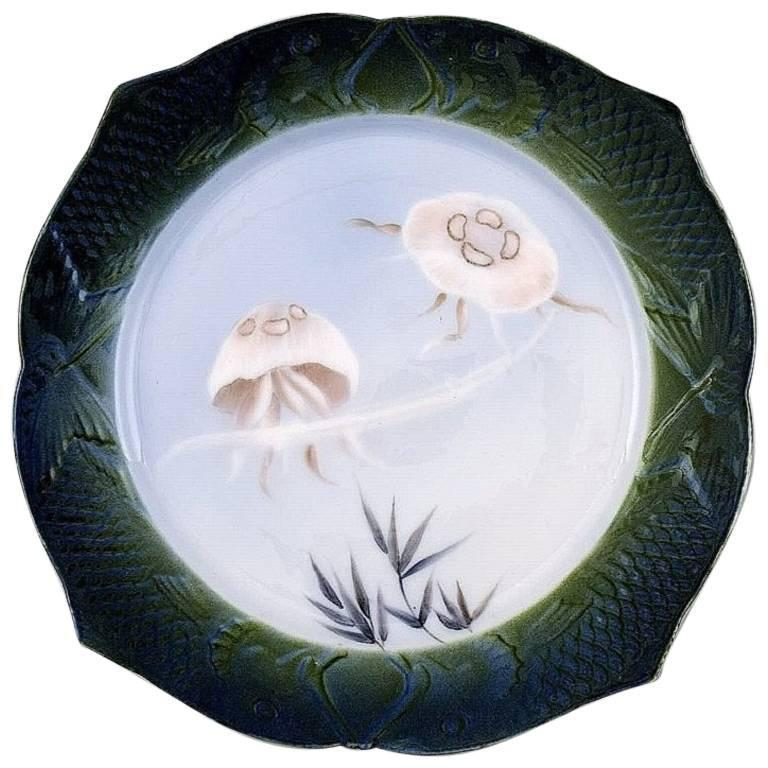 arnold-krog-for-royal-copenhagen-fish-service-dinner-plate-in-porcelain_0.jpg