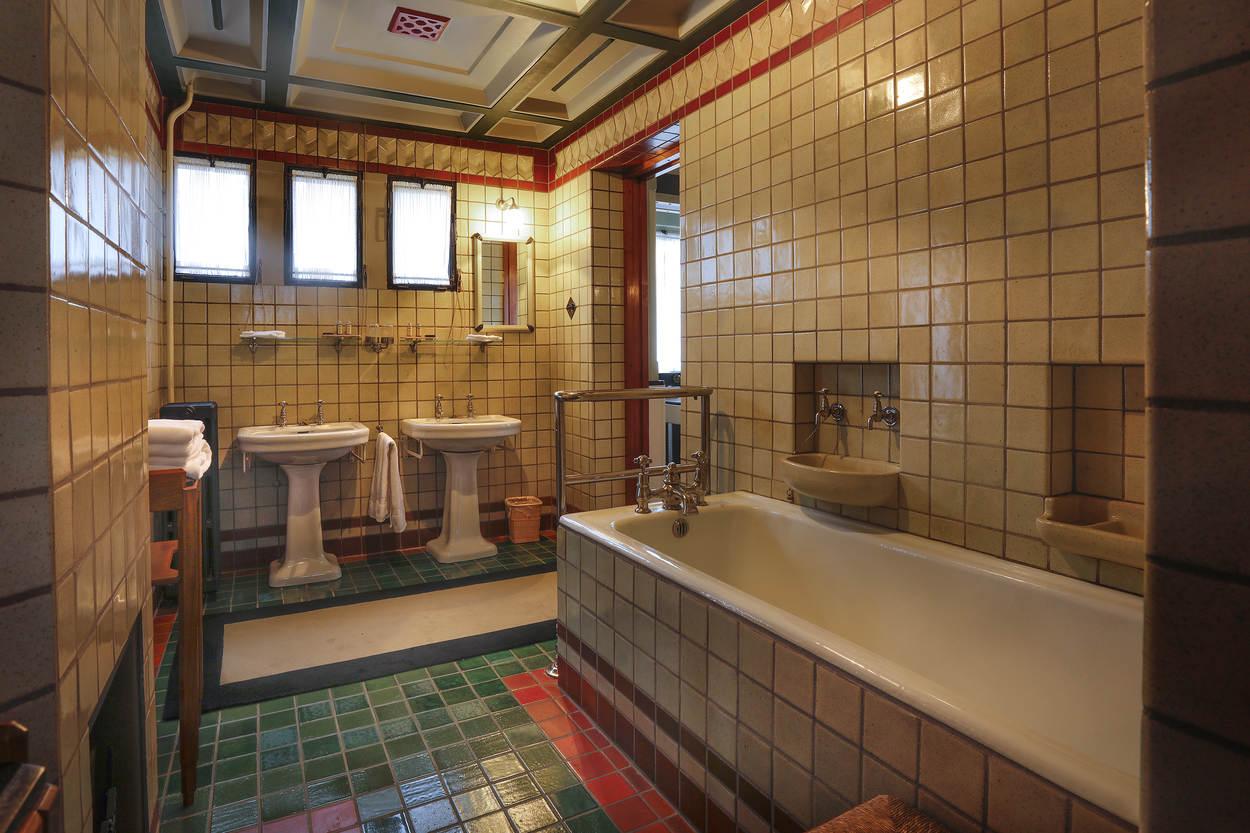 badkamer-in-jachthuis-st-hubertus_fotograaf_rob_acket.jpg