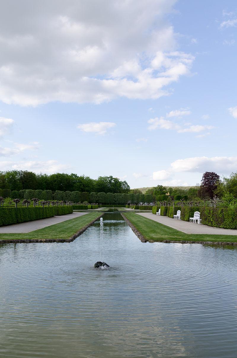 Bayreuth,_Eremitage,_Kanalgarten-002.jpg