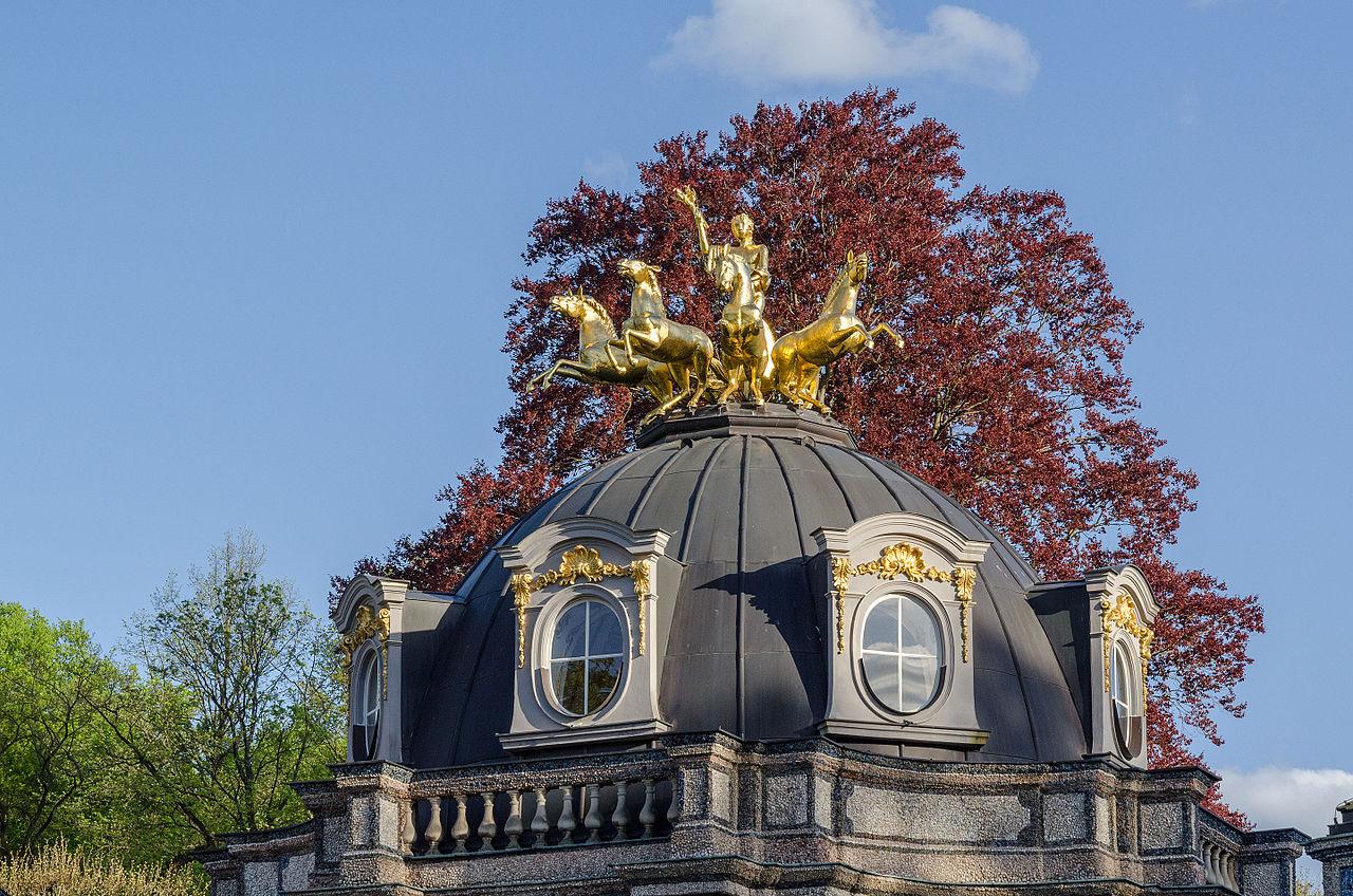 Bayreuth,_Eremitage,_Neues_Schloss,_Sonnentempel-001.jpg