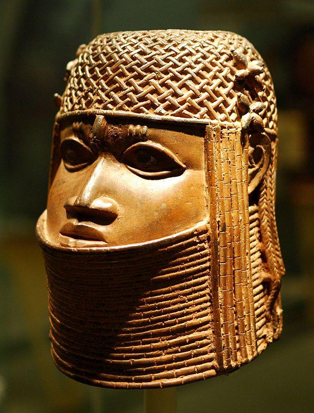 Benin_bronze_in_Bristol_Museum.jpg