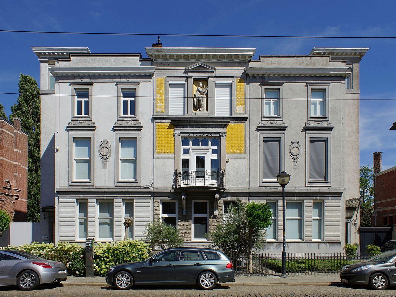 Berchem_(Antwerpen),_Cogels-Osylei_19-21-23_11080_Ernest_Stordiau.jpg