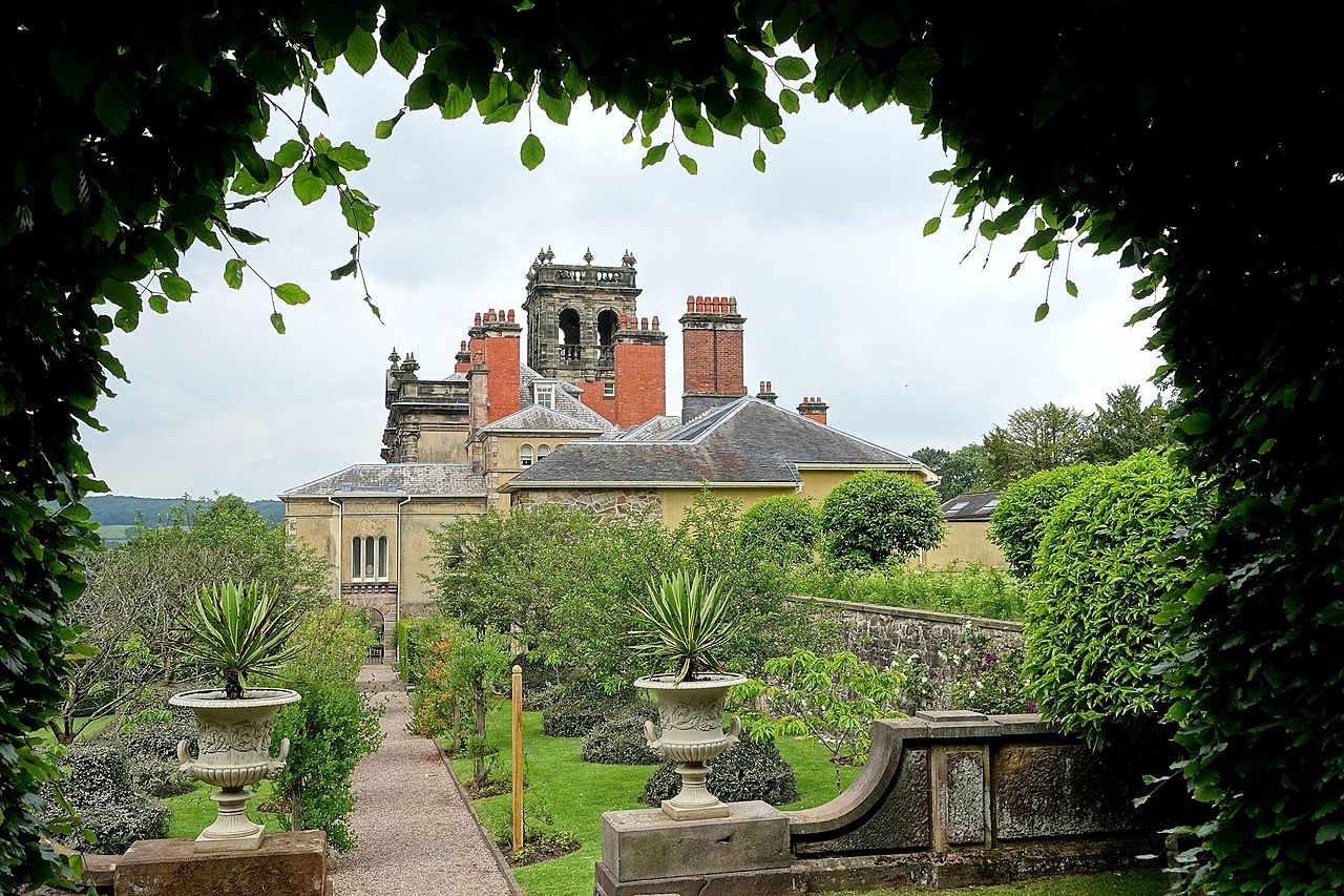 Biddulph_Grange_-_Staffordshire,_England_-_DSC09279.jpg