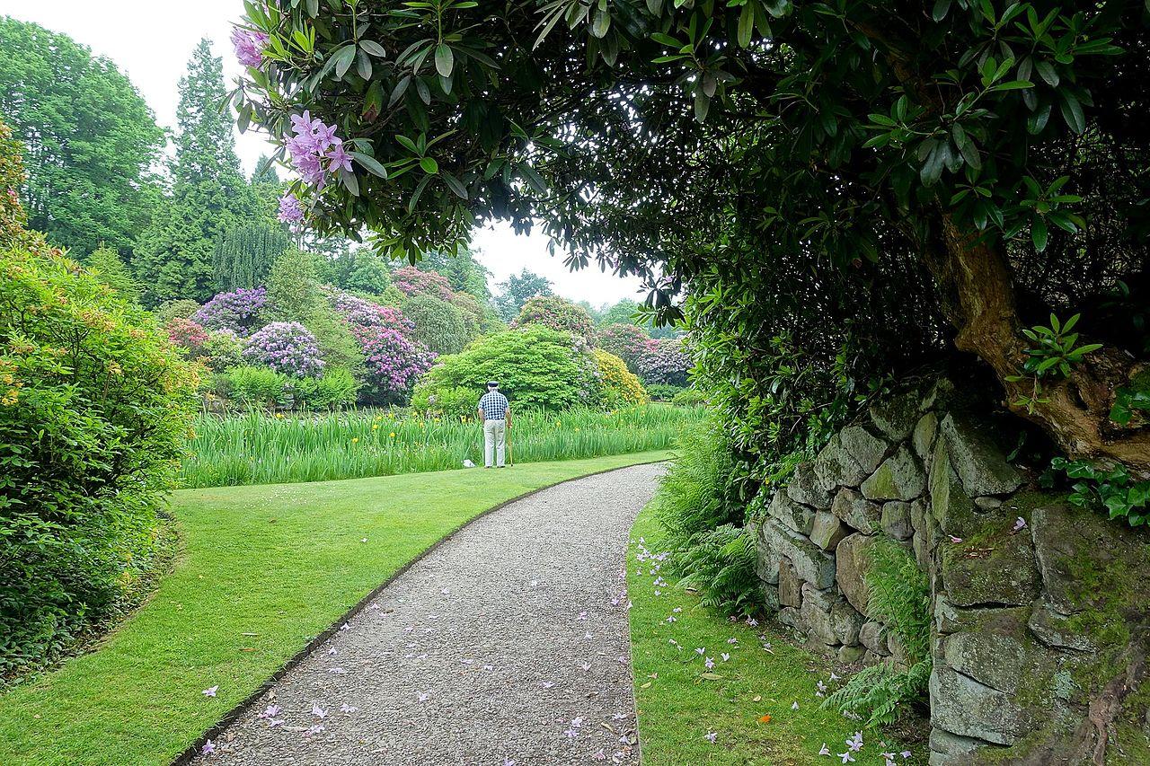 Biddulph_Grange_Garden_-_Staffordshire,_England_-_DSC09110.jpg