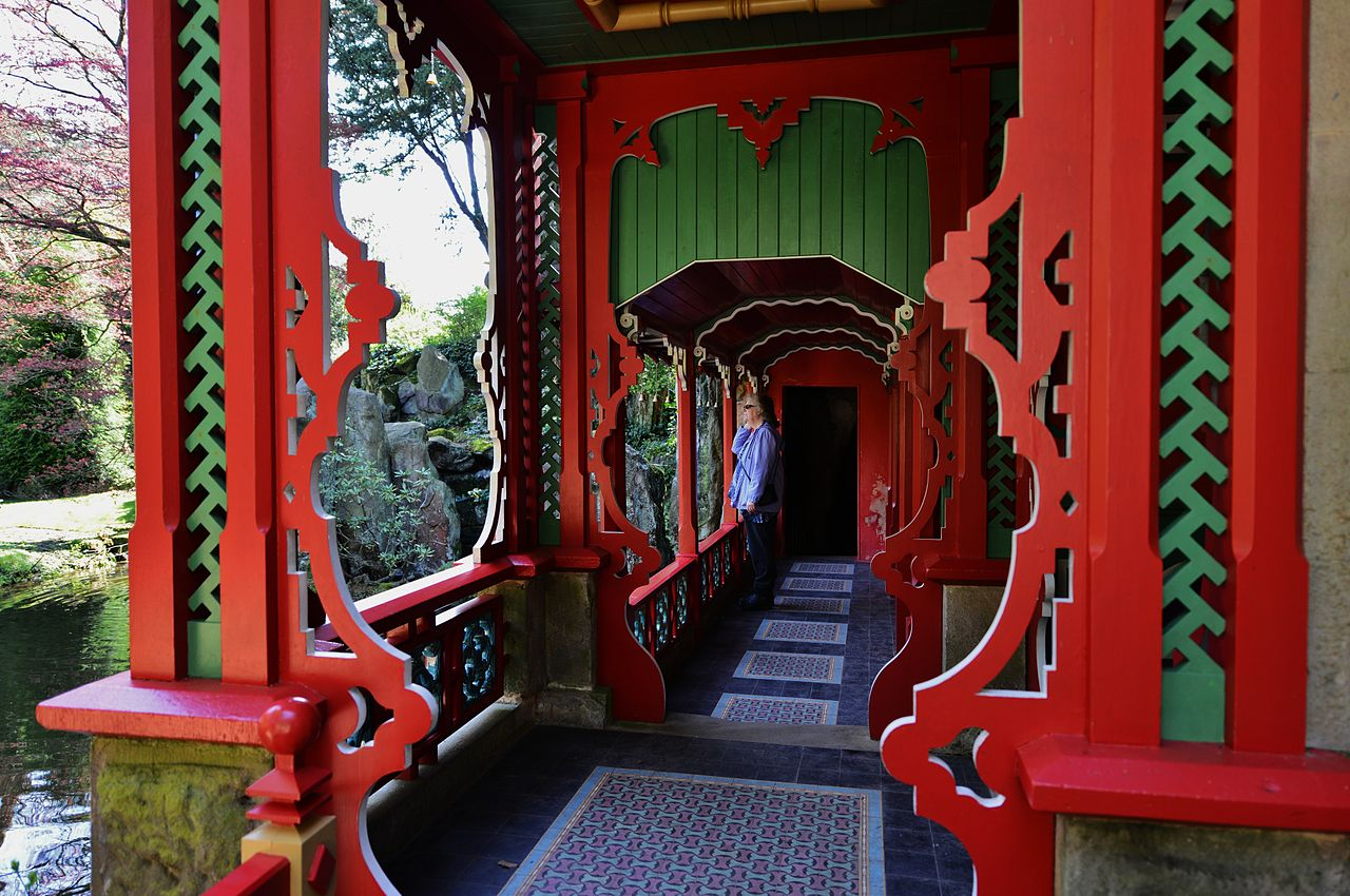 Biddulph_Grange_Structural_detail_of_the_pagoda_in_the_Chinese_Garden.JPG