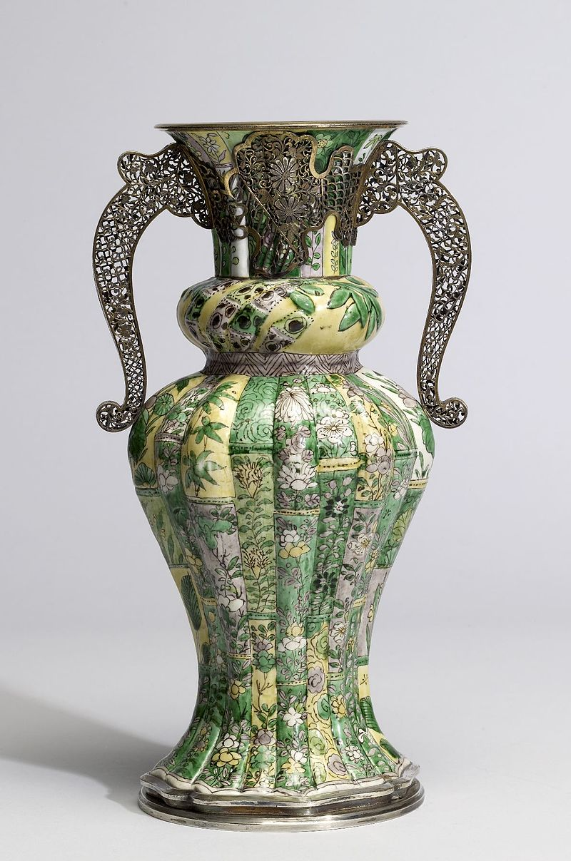 Boucheron_-_Vase_with_Floral_Sprays_-_Walters_492074.jpg