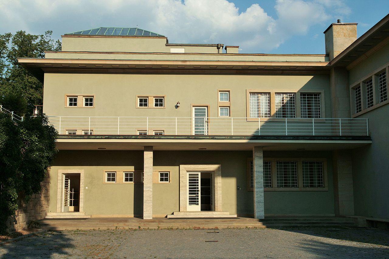 Brno,_Hroznová_82,_Villa_Stiassny_(7801).jpg