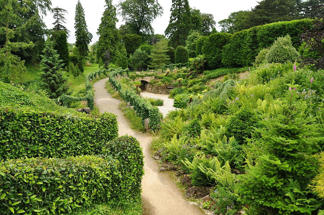 Brodsworth_Hall_gardens_(9067).jpg