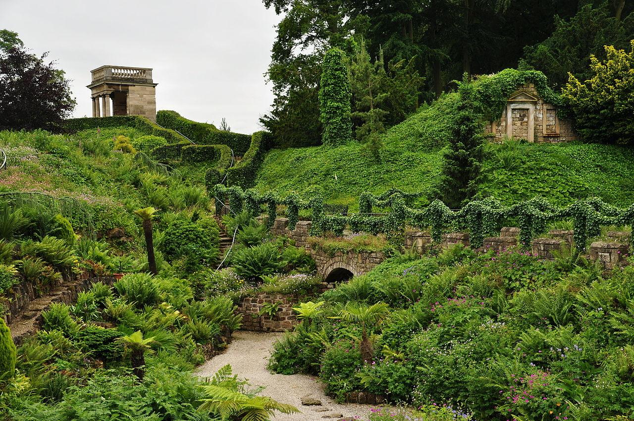 Brodsworth_Hall_gardens_(9144).jpg