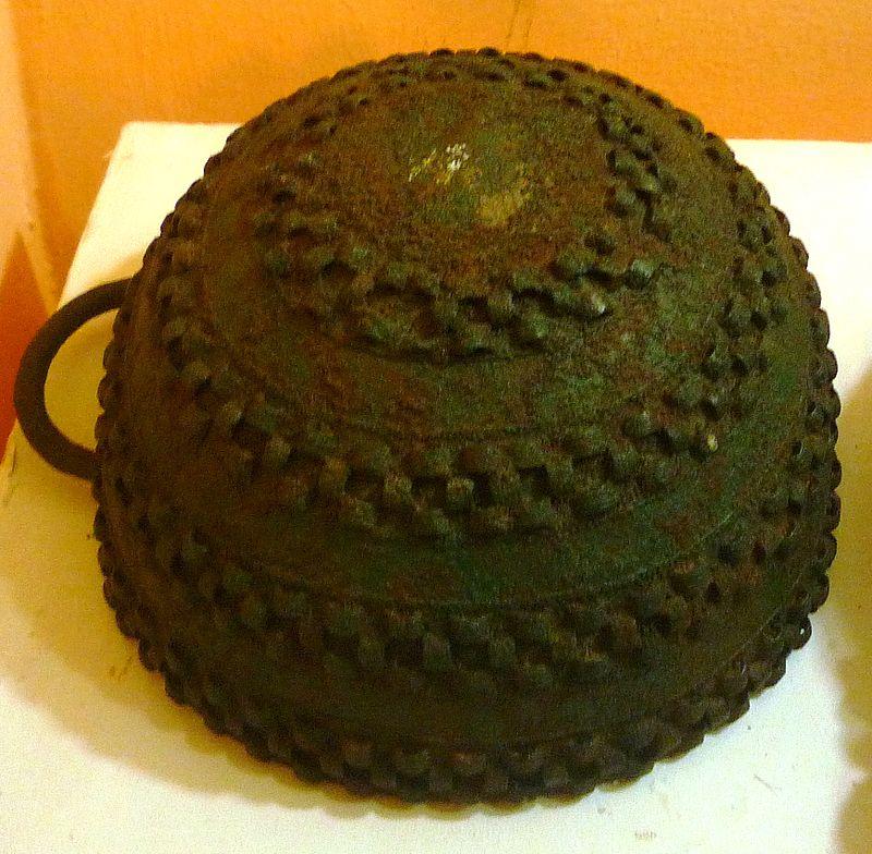 Bronze_pot,_Igbo-Ukwu,_9th_century.JPG