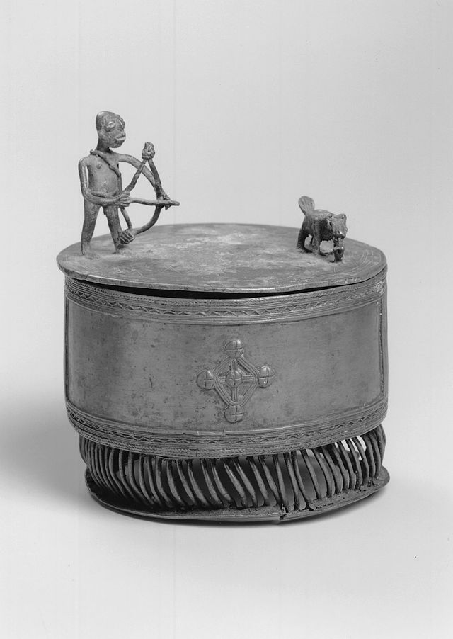Brooklyn_Museum_1990.221.2a-b_Cylindrical_Container_with_Lid_Kuduo_(2).jpg