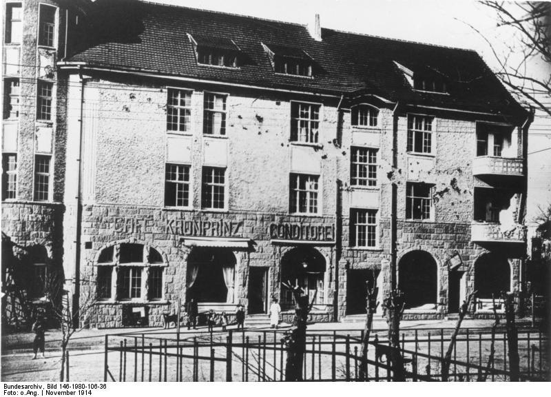 Bundesarchiv_Bild_146-1980-106-36,_China,_Tsingtau,_Haus_Otho.jpg