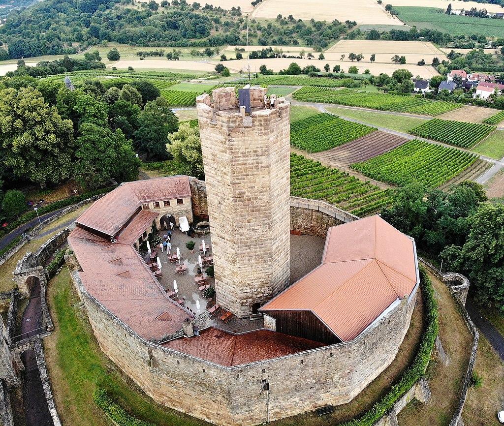 Burg_Steinsberg,_Sinsheim,_Germany.jpg