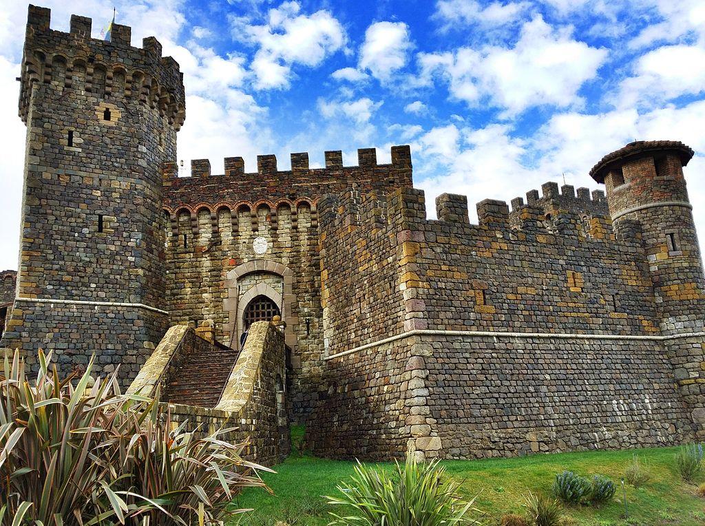 Castello-di-Amorosa-front-2015.jpg