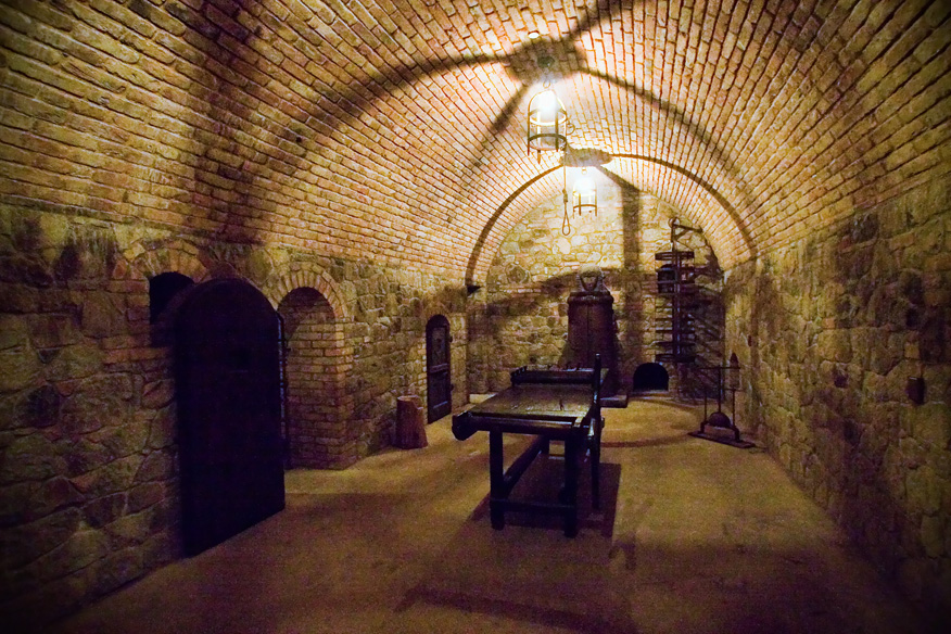Castello-di-Amorosa-torture-chamber (1).jpg